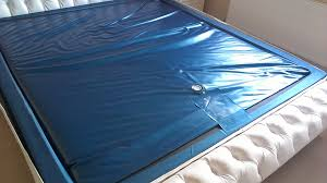 Vodna postelja