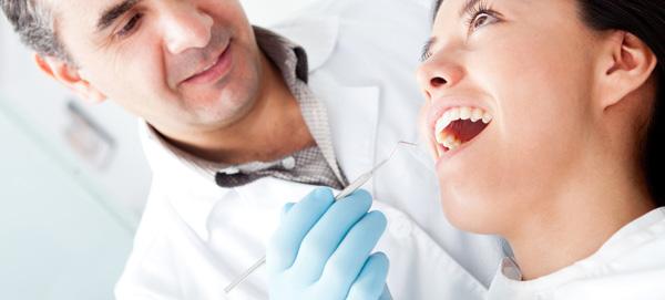 Luske na zobeh nam priporočajo v Ustni medicini Ljubljana