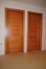 Kupiti lesena notranja vrata pri mizarju ali v salonu