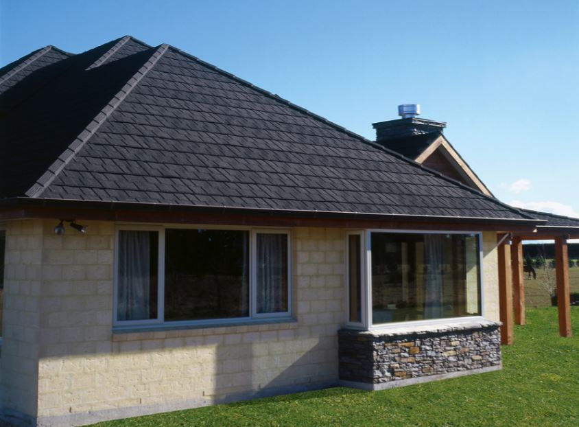 Vas zanima cena za obnovo strehe?